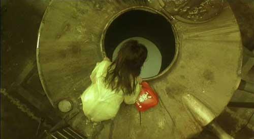 صحنه ای از نسخه ژاپنی فیلم آب سیاه
