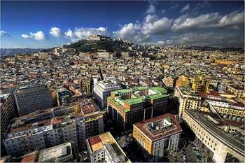 نمایی از شهر ناپل در ایتالیا