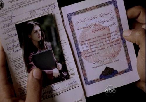گذرنامهٔ ایرانی در دست شخصیت عراقی سریال گمشدگان